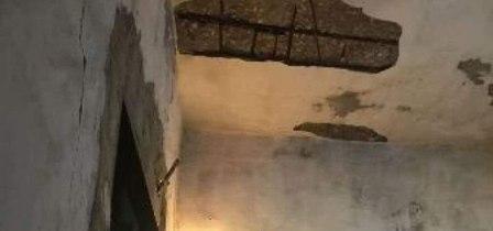 إنهيار جزء من سقف منزل على عائلة بداخله في عين الحلوة