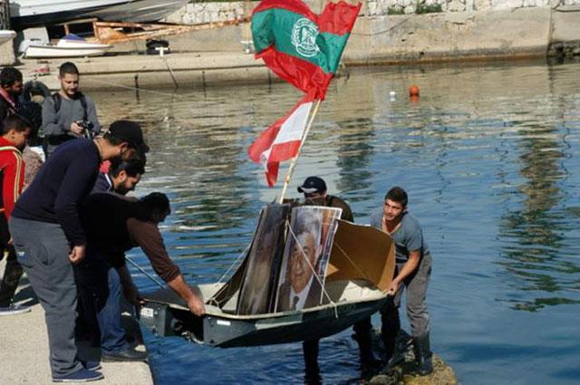 إعتصام لصيادي الأسماك في ساحل المتن لتحسين أوضاعهم بميناء الدورة