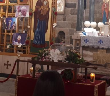 وصول ذخائر يوحنا بولس الثاني والقديسة فوستين إلى جزين