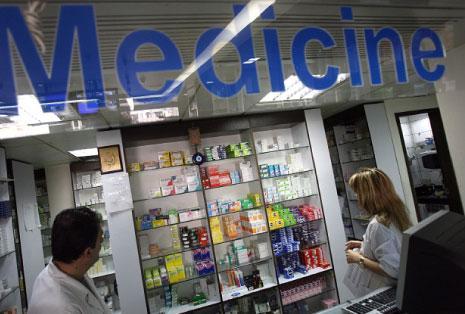أزمة الدواء في «الصحة»: إسراف ومحسوبيات وتلزيم بلا مناقصات