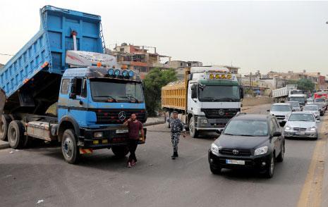 احتجاز الناس على الطرقات: اللبنانيّون رهائن لمصالح الكسارات