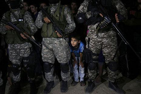 فلسطين   «زواج المصلحة» بين دحلان و«حماس» يبدأ؟