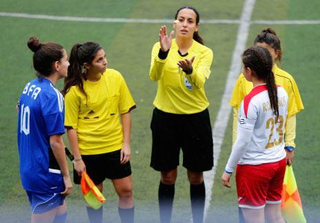 كرة القدم النسائية في تطوّر مستمر: عقود احترافية ومنتخب واعد