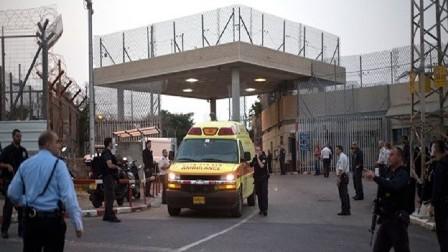 نقل أكثر 150 أسيرا من بينهم البرغوثي إلى المستشفيات