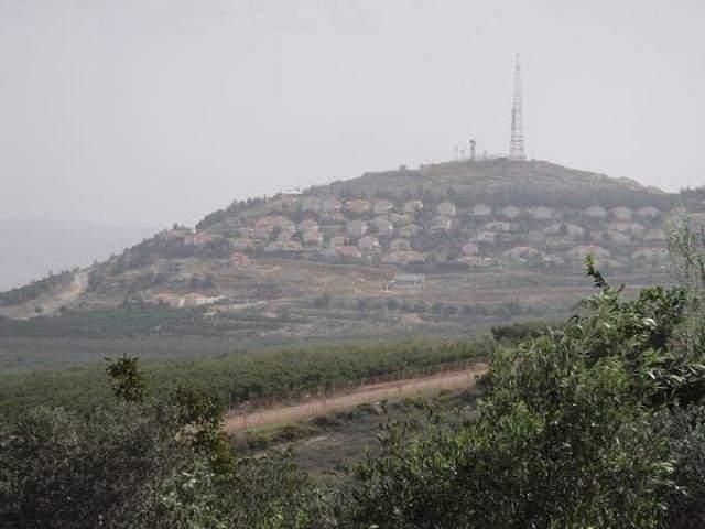 فلسطينيو مخيمات صور اعتصموا في معتقل الخيام تضامنا مع الأسرى