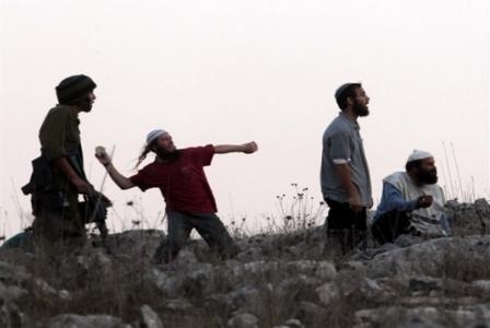 إصابة طلّاب فلسطينيين في هجوم للمستوطنين على مدرسة