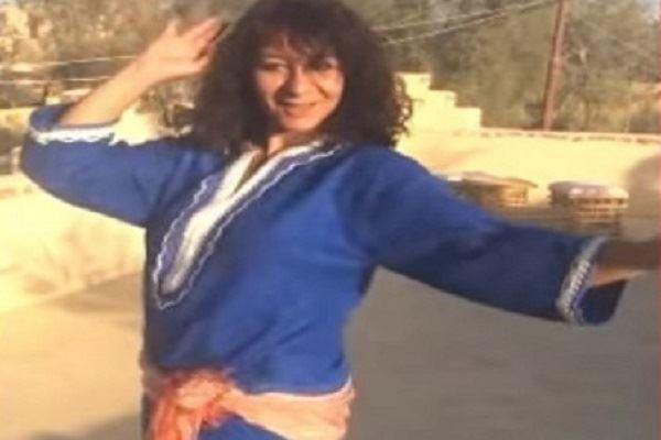 الأستاذة التي استفزّتهم برقصها تترشح للرئاسة وتتعهد بتدليع المصريين