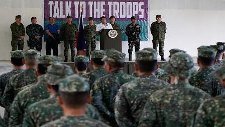 الرئيس الفلبيني يشجع جنوده على الاغتصاب!