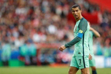 رونالدو يقود البرتغال لفوز مهم على روسيا