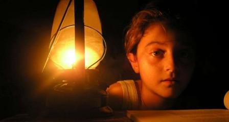 الصليب الأحمر يحذر من انهيار شامل في قطاع غزة جراء شح الطاقة