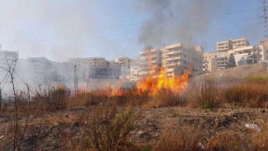 اندلاع حريق في قطعة ارض محاذية لاوتوستراد الشماع في صيدا