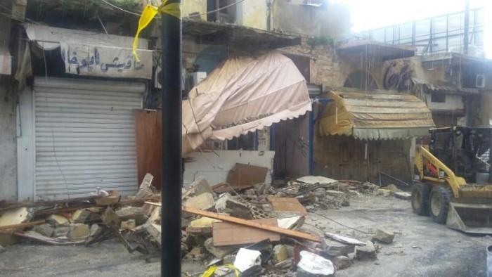 انهيار شرفة مبنى في صيدا القديمة على الطريق البحرية