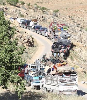 اكثر من خمسين عائلة سورية غادرت لبنان صباح اليوم