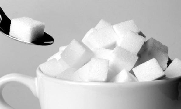 ما هي كمية السكر التي يمكنك تناولها يوميا وتبقى بصحة جيدة؟