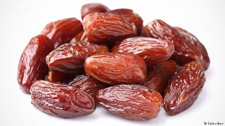 اليكم التأثير الإيجابي لتناول التمر في رمضان على الجسم