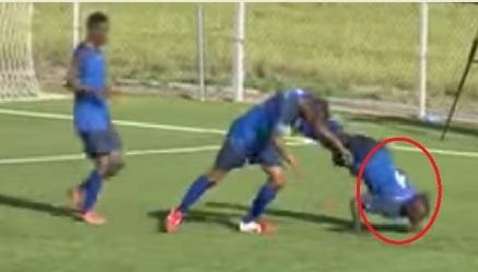 وفاة لاعب تنزاني بعد دقائق من احتفاله الغريب بالهدف!