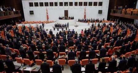 البرلمان التركي يمدد تفويض نشر قوات تركية في العراق وسوريا