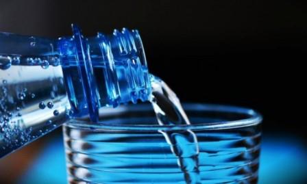 المياه المعدنية مصدر كالسيوم خال من السعرات الحرارية