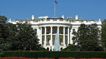 مسؤول الاتصالات بالبيت الأبيض يترك منصبه